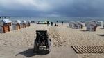 Rollstuhl am Strand