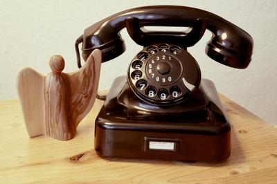 Von der Kirche vermittelt: Gespräche am Telefon