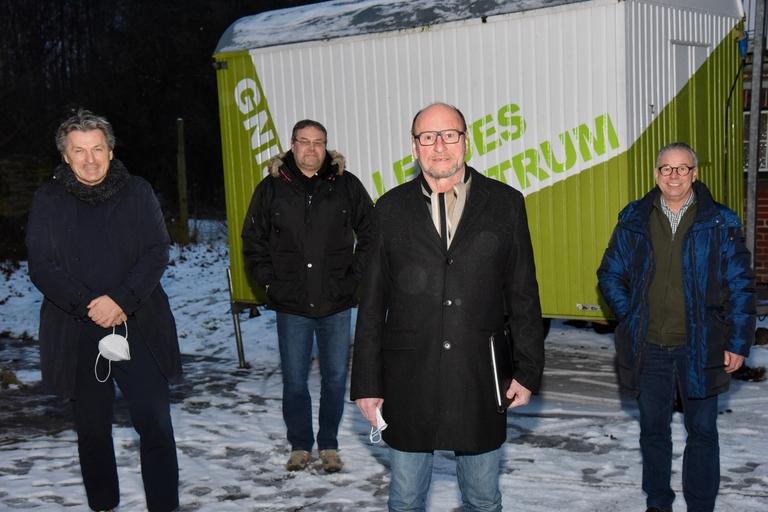 Hartmut Hamerich unterstützt Dorfzentrum Gnissau