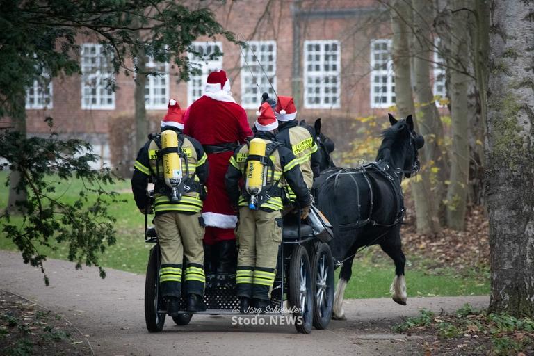 Weihnachtsspezial-Einsatzfahrzeug